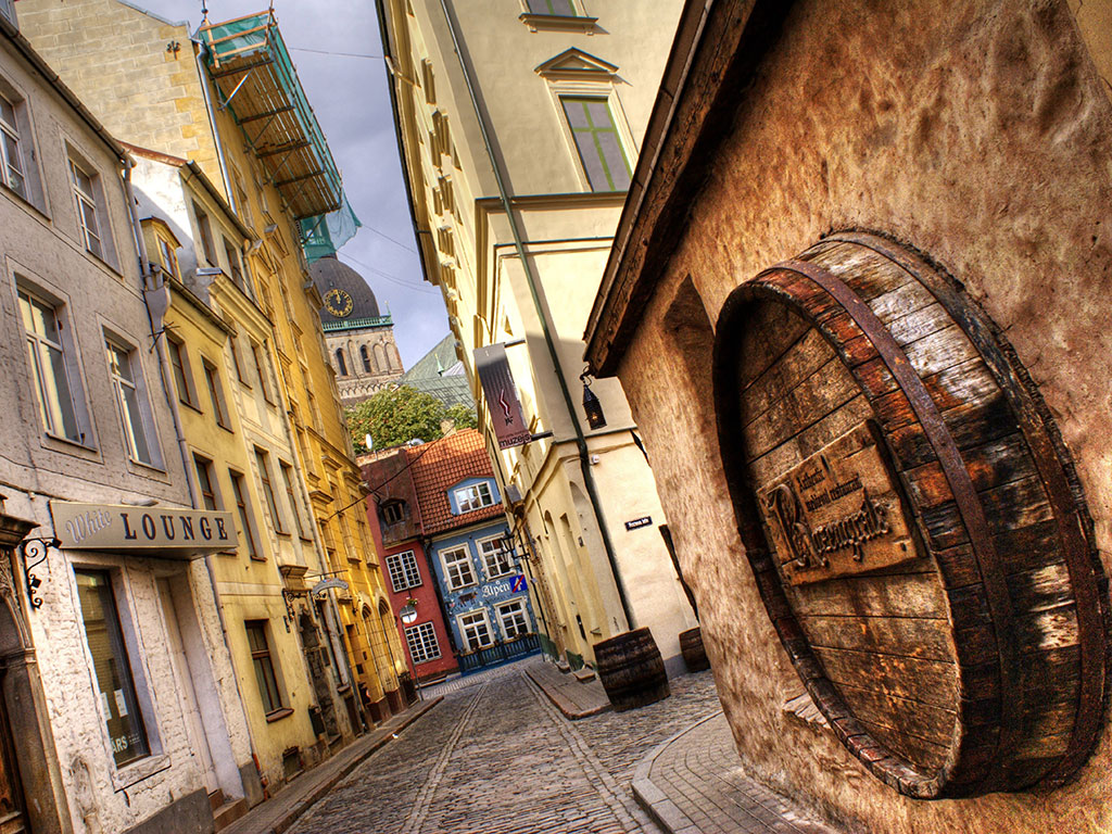 cobbled-stone-streets-Riga-Old-Town